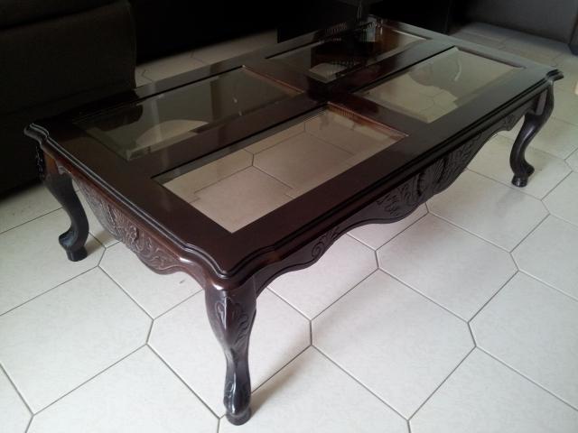 Mesa de centro de madera con vidrio car interior design for Mesa de madera con vidrio