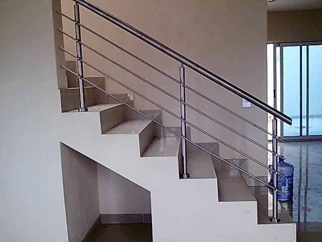 Especialistas en barandales de escaleras en acero y en - Pasamanos de madera modernos ...