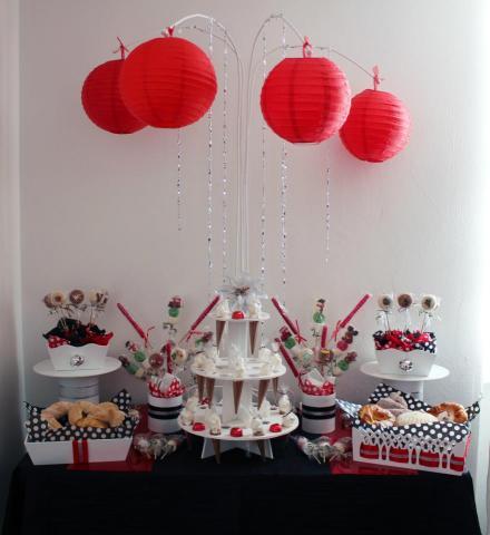 Mesa de dulce y botanas para fiestas, bautizo, boda, xv