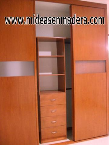 Closets y vestidores de madera muebles e ideas en en for Closets minimalistas df