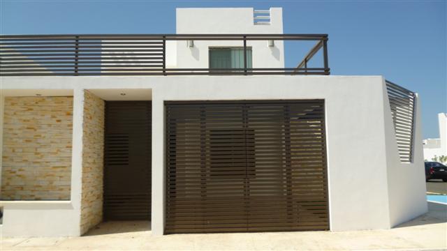 Im genes de casa amueblada de 5 habitaciones en renta en for Muebles de oficina merida yucatan