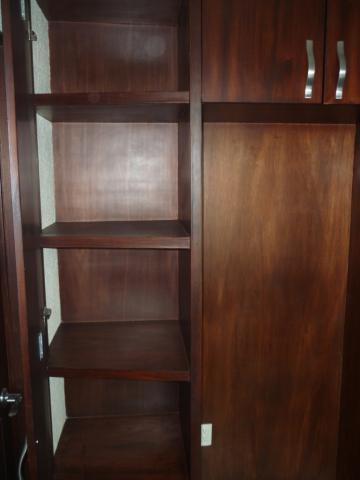 Im genes de precioso ph al sur de la ciudad con una vista for Closets de madera para recamaras