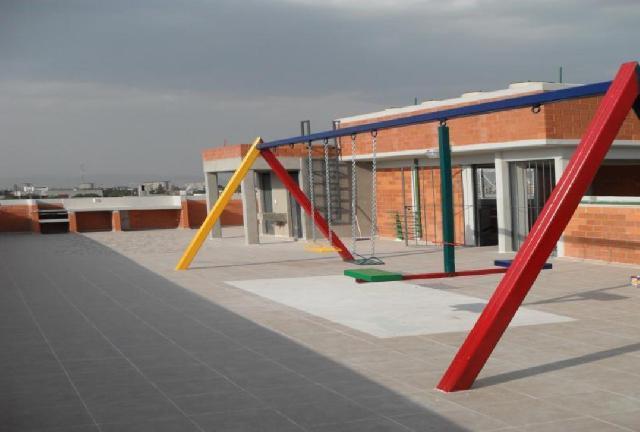 Juegos De Baño Interceramic:juegos infantiles y jaula de tendido, las escaleras y el Roof Garden