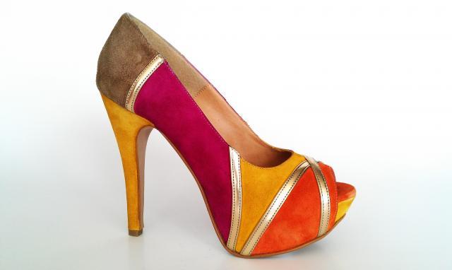 Fabricantes de calzado para dama en guadalajara for Fabricantes de sillas para bolear zapatos