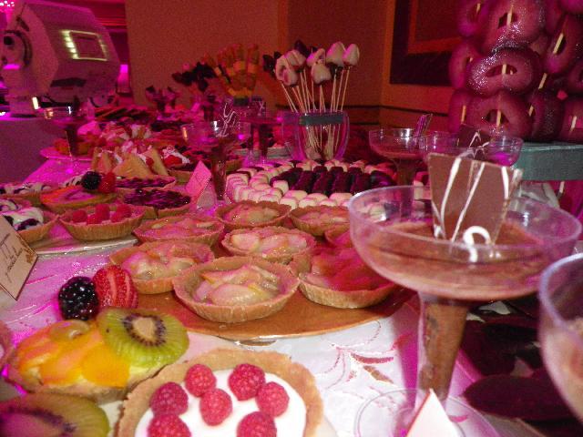 Pin brochetas de frutas decoracion on pinterest - Decoracion de frutas ...