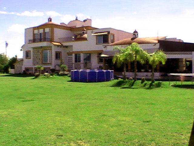 Hermosa casa de campo residencial en renta o venta en silao for Casas de alquiler en