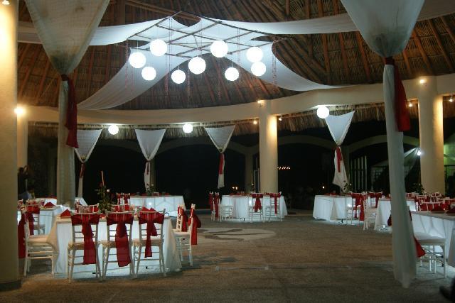 0705dcb44 Un maravilloso resort completamente nuevo a la orilla del mar en el que  podrás encontrar todo en un solo lugar para lograr que tu boda sea  inolvidable…