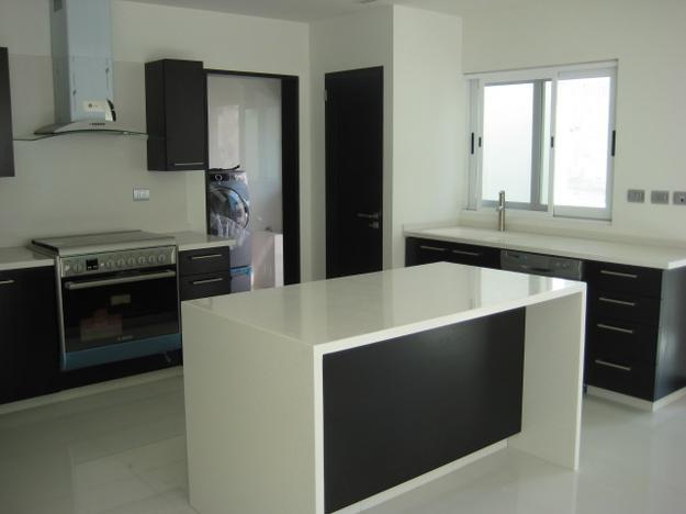 Im genes de instalador profecional de pisos yazulejos en - Instalador de cocinas ...