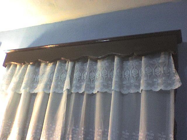 Casa de este alojamiento ventanas de madera madrid rosario for Ventanas de madera precios en rosario