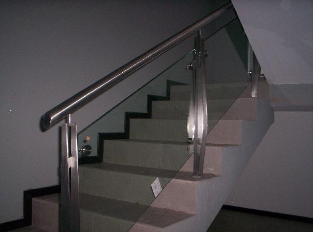Im genes de barandal pasamanos en acero inoxidable con - Barandales modernos para escaleras ...
