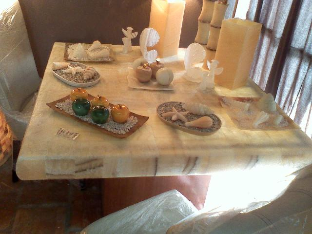 Dise os en onix y marmol mesas alumbradas lamparas - Disenos en marmol ...