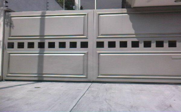 Puertas automaticas herreria moderna en leon pictures for Puerta herreria moderna