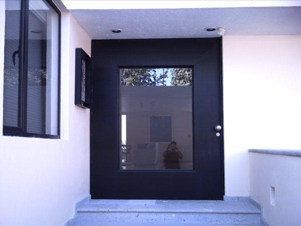 Puertas automaticas herreria moderna en leon picture car for Puerta herreria moderna