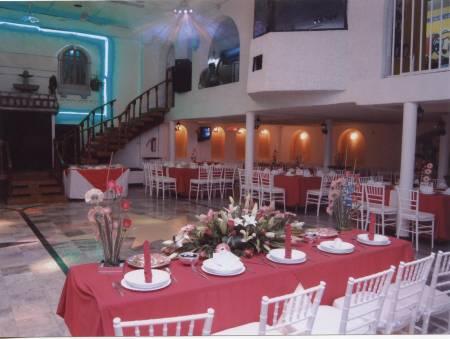 Salones de fiestas terrazas valle a solo x persona for Jardin 7 hermanos ecatepec