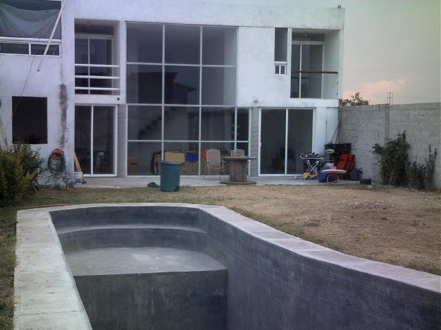Im genes de hermosa casa minimalista con alberca en for Casa minimalista que es