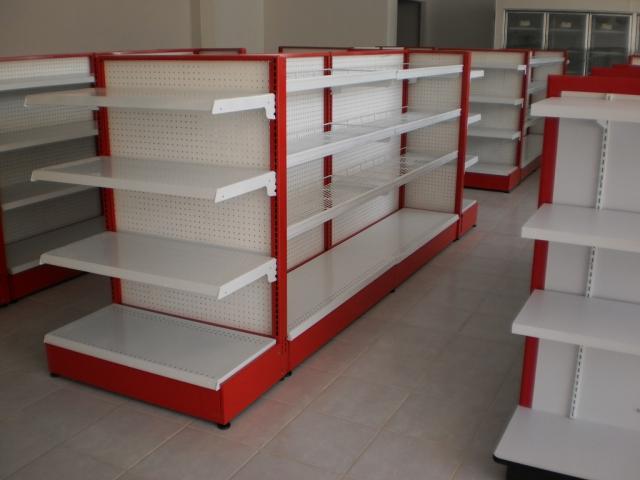 el diseño y fabricación de muebles para tiendas de conveniencia