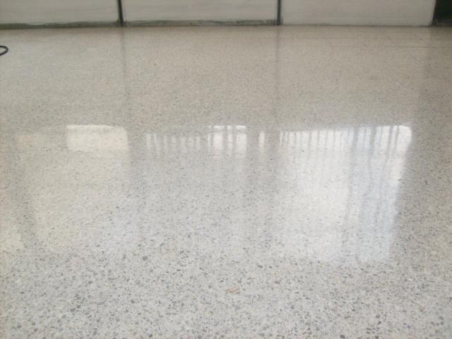 Im genes de pulido de pisos y limpieza de oficinas c g for Pulido de pisos de granito