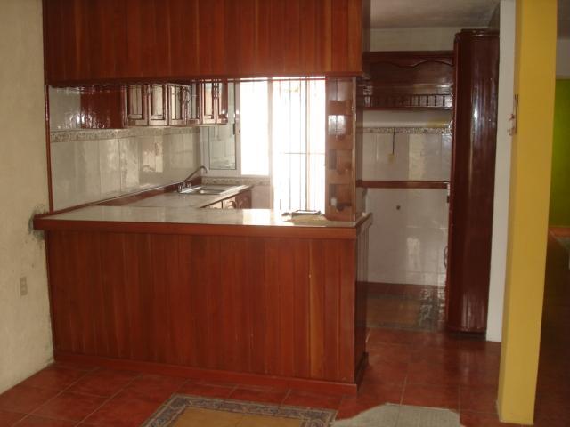 Gabinetes Para Baño Interceramic:con closet, 2 y 1/2baños (uno en la recamara principal con excelentes