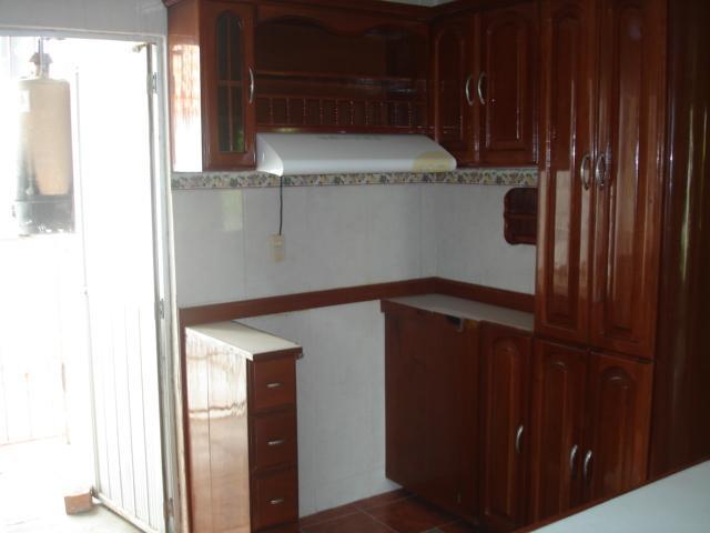 Gabinetes Para Baño Interceramic:amplia con gabinetes y barra con cava forrado de madera de cedro y