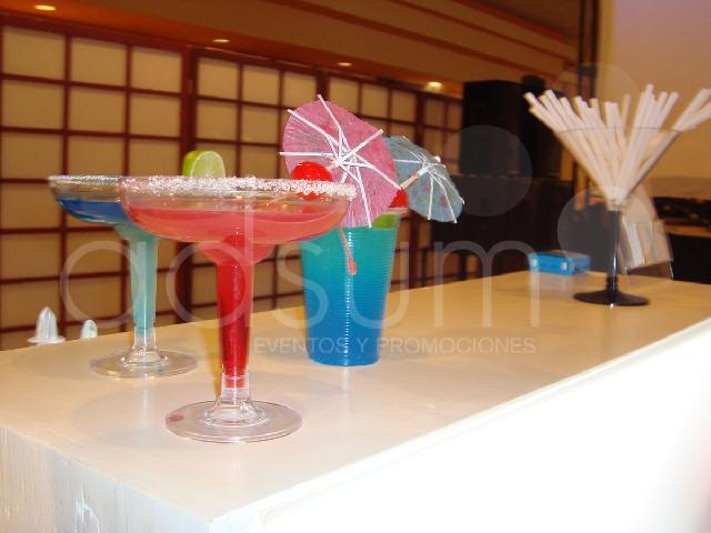 Im genes de eventos muebles lounge bar a tu casa for Muebles para bar lounge