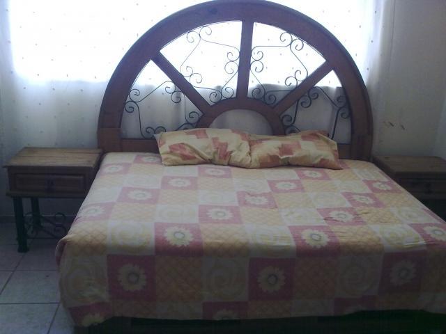 Vendo muebles rusticos de madera 2 recamaras y sala en zapopan for Recamaras de madera df