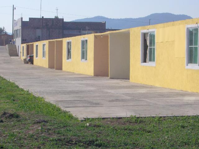 Im genes de permuvendo 9 locales motel y terreno 2 3 hras for Motel con piscina privada