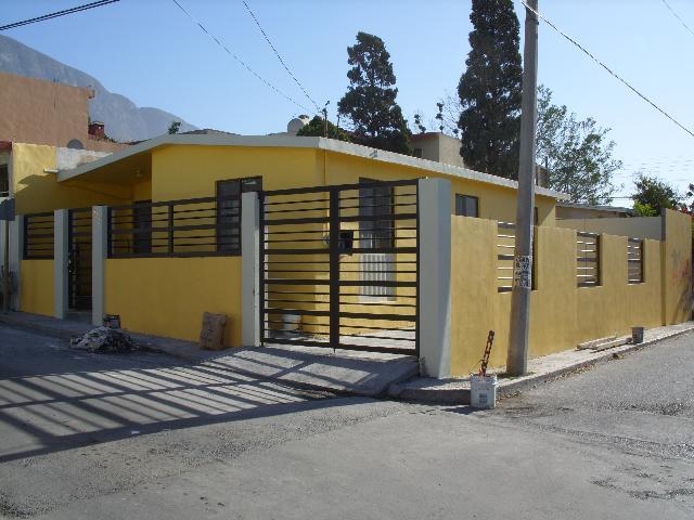 Casa en renta cerca prepa tec col lopez mateos santa for Casas santa catarina