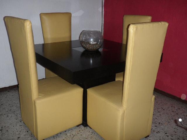 Comedor moderno minimalista 4 silas en san nicolas de los for Comedor moderno minimalista