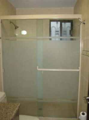 Vidrio templado para baños