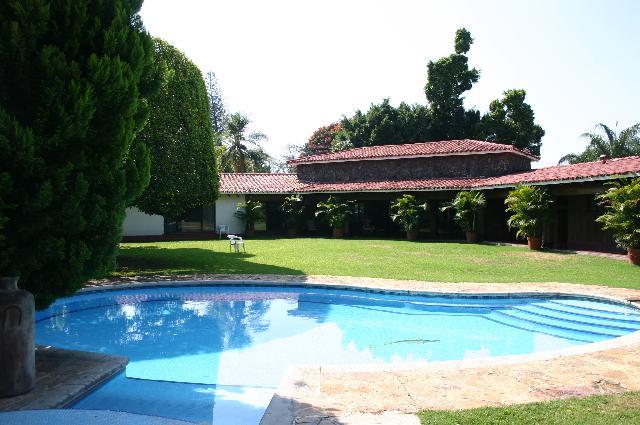 Casa para vacacionar y jardin para eventos en cuernavaca for Casas en renta cuernavaca