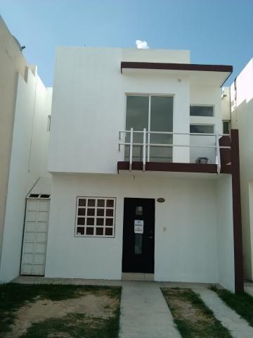 Se renta casa en nexxus platino frente a plaza sendero en for Casas de renta en escobedo