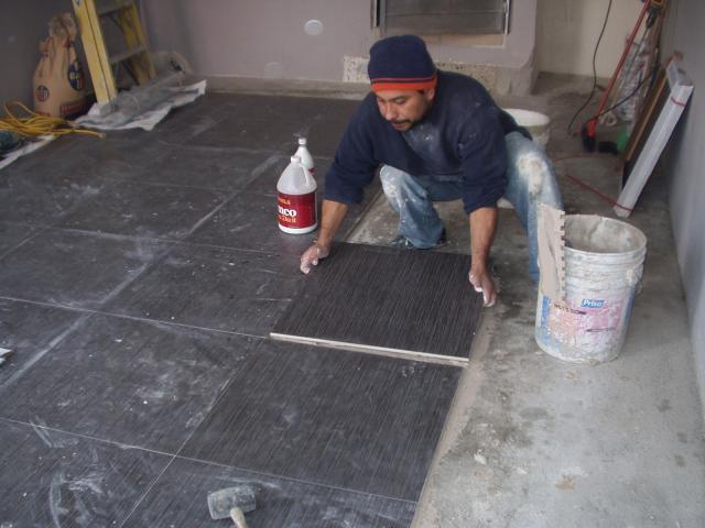 Im genes de loseta marmol y granito anivelacion de pisos for Loseta vinilica precio