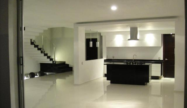 Im genes de residencias minimalista parque virreyes en acatic for Pisos para sala comedor y cocina
