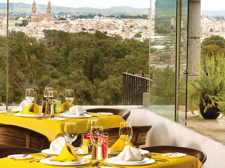 Im genes de villa san jos hotel suites en morelia for Salon villa jardin morelia