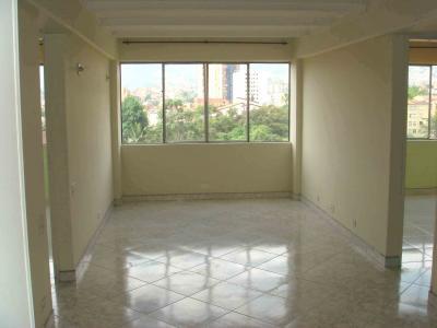 Colocador de pisos interceramic porcelanato azulejo for Pisos vitropisos azulejos