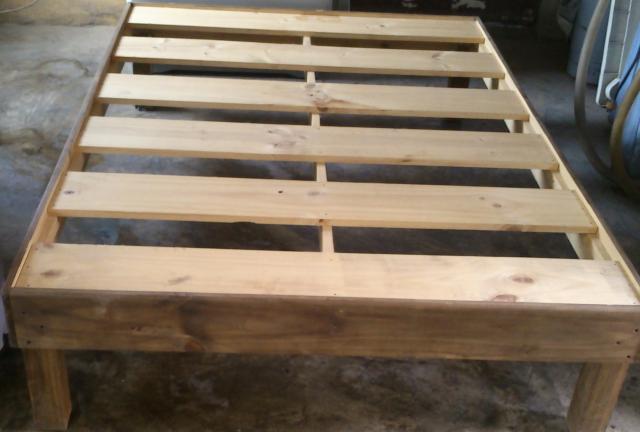 Im genes de base para cama matrimonial en muy buen estado for Bases de madera para cama matrimonial