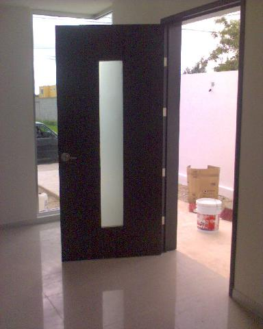 Puertas de madera ecanomicas en merida for Puertas de madera minimalistas