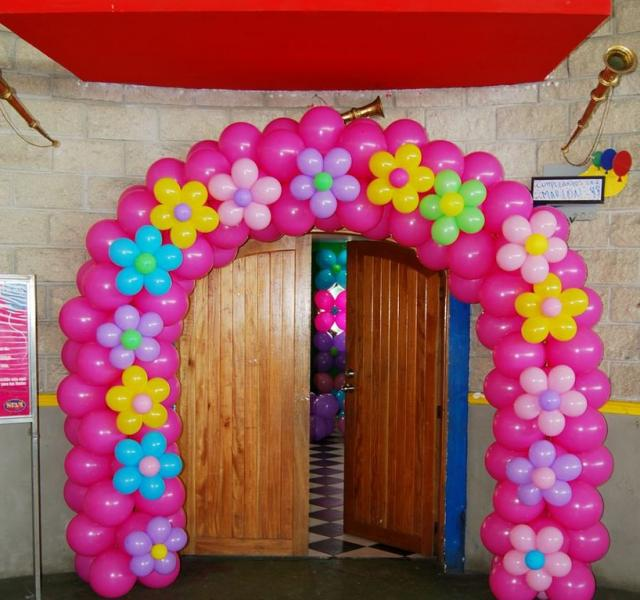 Festi globos romero arreglos de globos mesas de dulces - Decoracion de globos ...