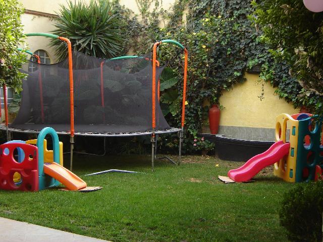 Im genes de salon de fiestas con jardin infantiles xv a os for Casas de jardin infantiles
