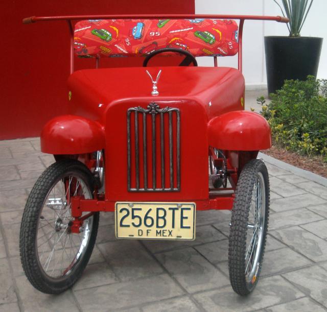 Im genes de carro ecologico cuadriciclo de pedales for Carritos con ruedas para cocina
